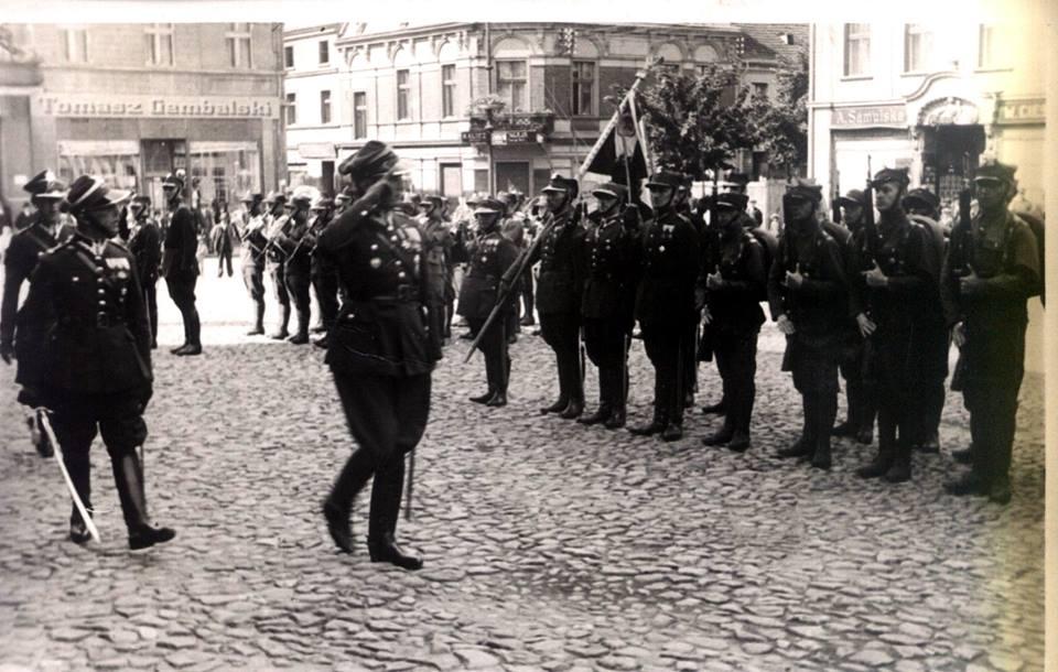 Przemarsz-wojska-pod-dowództwem-Mieczysława-Mozdyniewicza.jpg