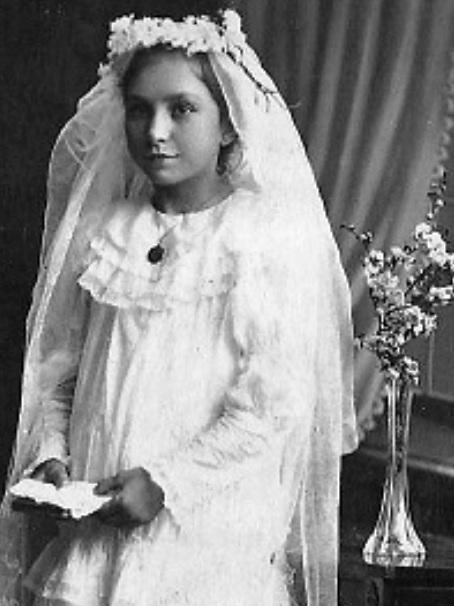 Władysława-Wojtczak-I-Komunia-św.-w-Hamburgu-ro-1901-czolo.jpg