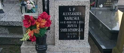 Grób-Aleksandry-Nafalskiej2.jpg