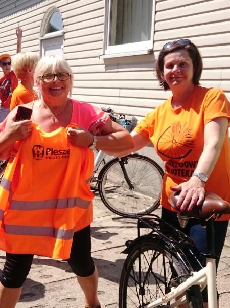 Odjazdowy pomarańczowy rajd rowerowy