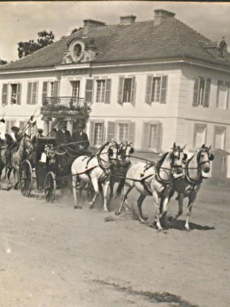 Dobrojewo-ok-1920-fragment-zespołu-pałacowego1.jpg