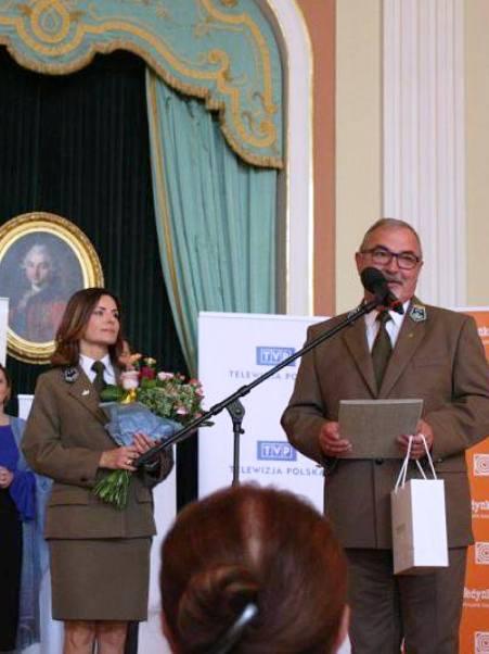 Nominaci-w-Zamku-Królewskim-w-Warszawie-Benedykt-Roźmiarek-dyrektor-OKL-i-Alicja-Antonowizczoloz.jpg