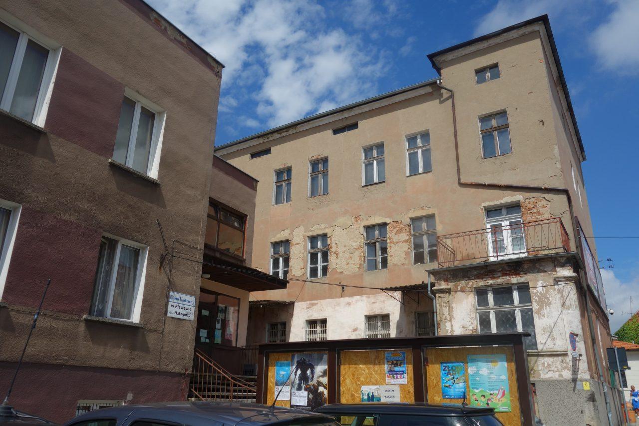 Dom-Kultury-w-Pleszewie-1280x853.jpg