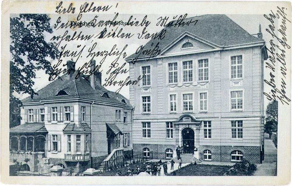 liceum-1915-1.jpg