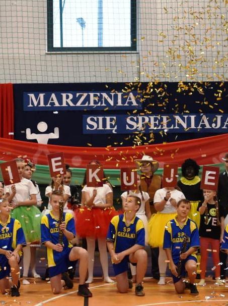 Hala-sportowa-w-Gizałkach.jpg