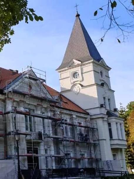 Pałac-w-Broniszewicach.jpg