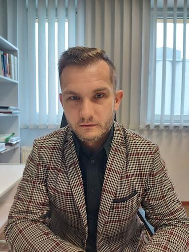 Piotr-Janiak-2.jpg