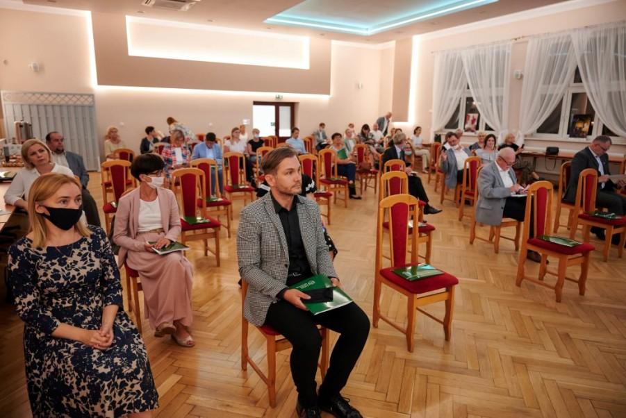 konferencja-z-prawej-Piotr-Janiak.jpg